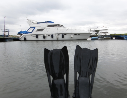 Mit dem Belly Boat im Hitdorfer Hafen